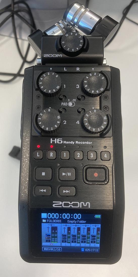 Podcastin tallennus Zoom H6-tallentimella.