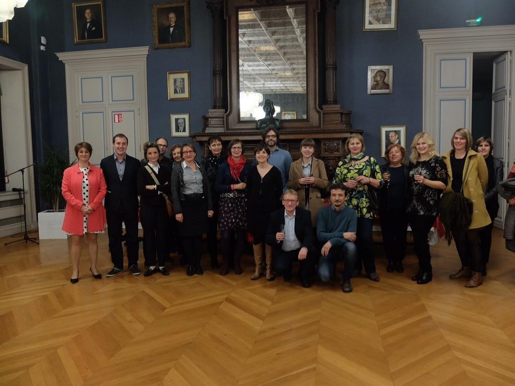 Kuva: Seminaarin osallistujat Angersin kaupungin järjestämällä vastaanotolla
