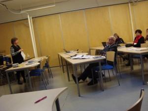 Hannele Torvinen (vas.) oli yksi verkostoja käsitelleen round tablen vetäjistä.