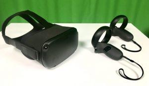 DGC studion pöytä ja VR-laitteistoa